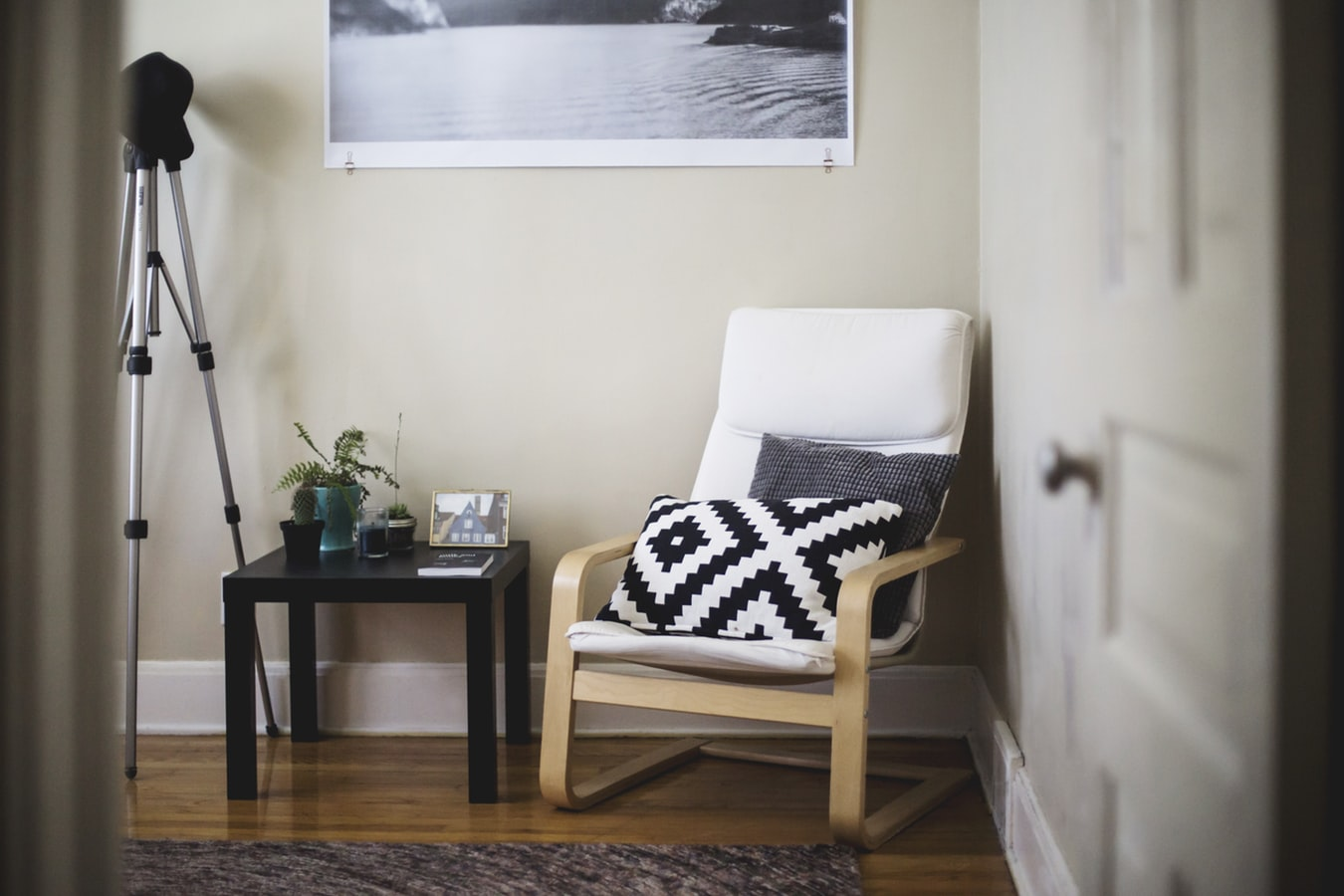 5 must-haves for decorating a student flat in Edinburgh