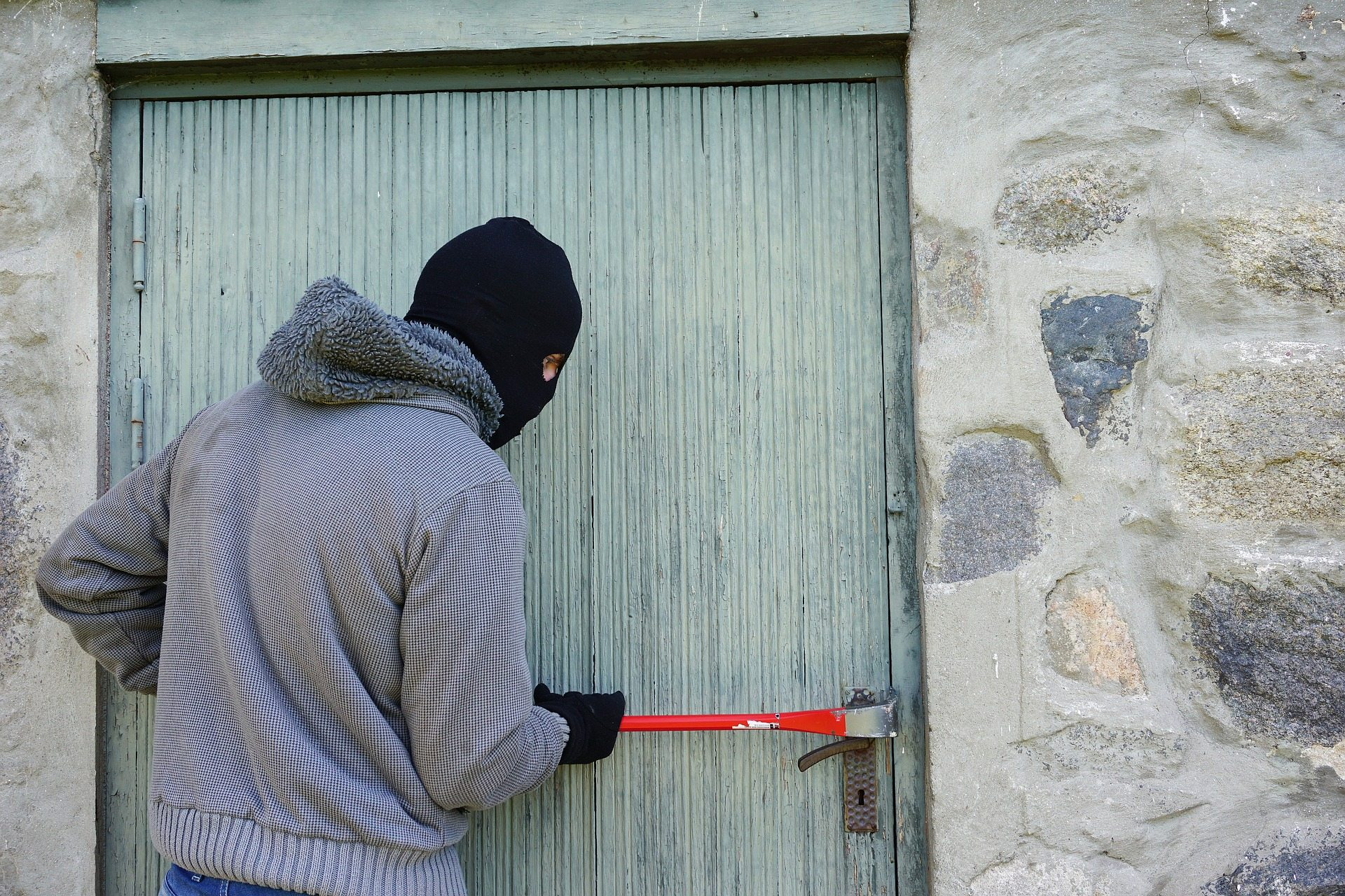 Keep your property safe during burglars' busiest weeks